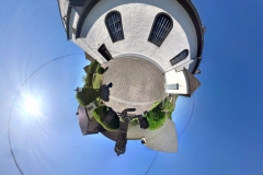 Tiny Planet_Trimbs vor Kirche 01